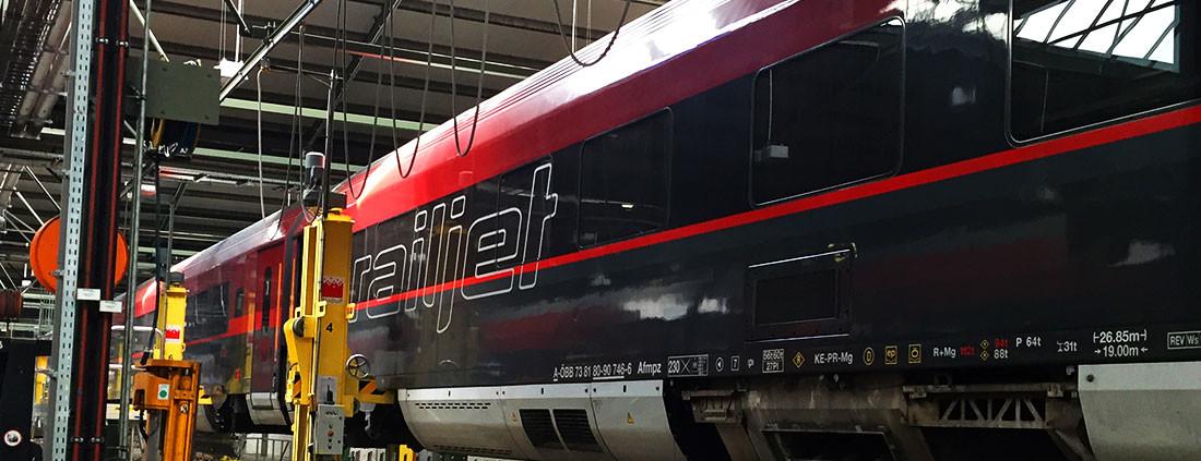 zug-folierung-railjet-wagen-wagon-folieren-folie-wien