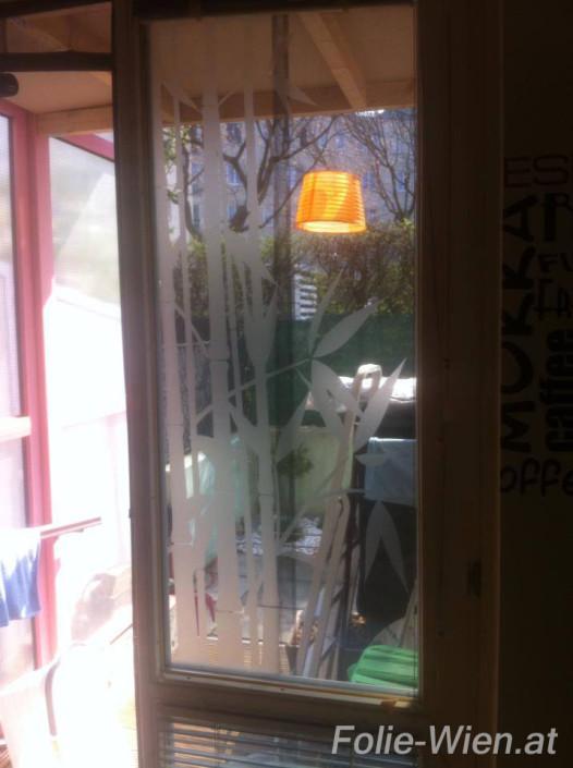 tueren-folierung-fensteren-folieren-milchglasfolie